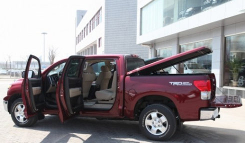 皮卡车改装——后厢平盖-皮卡车大全