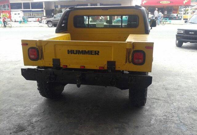 悍马H1皮卡车